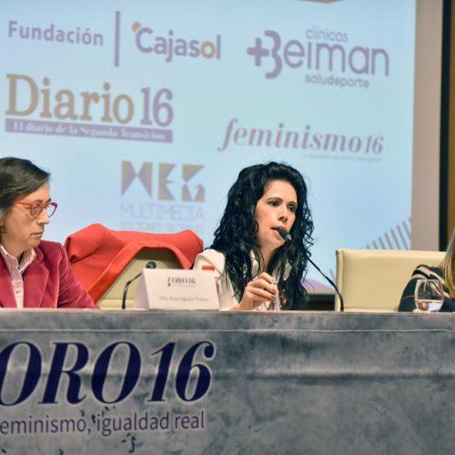 Cristina del Valle junto a Rosa Aguilar y Isabel Mayo